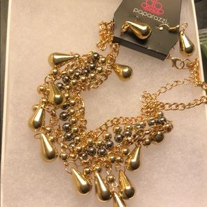 Paparazzi necklace & earring set